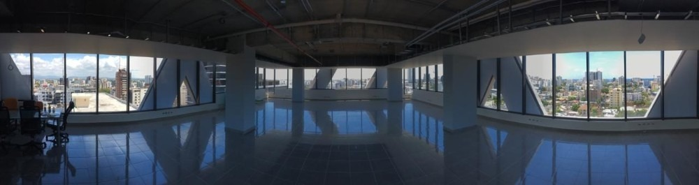 alquilo oficina de 305 mts en piantini en torre corporativa