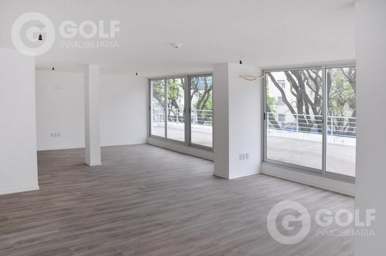 alquilo oficina de 70m2 con garajes opcionales sobre bv. artigas, parque batlle, montevideo