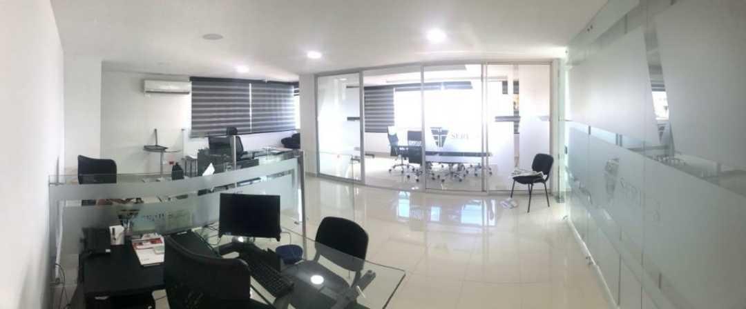 alquilo oficina en el centro de cali 94 metros