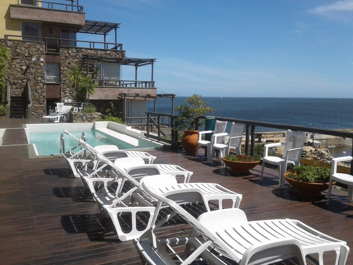 alquilo, piriápolis, frente al mar. piscinas, yacuzzi