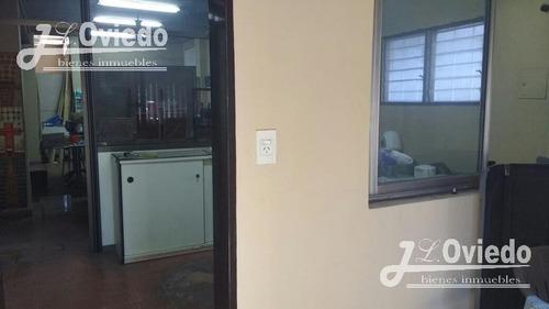 alquilo salon comercial con oficinas