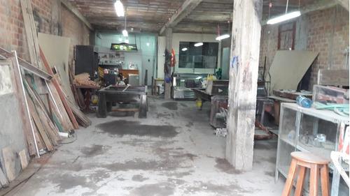 alquilo taller  con  1 cuarto y espacio para cocina 1;bañó