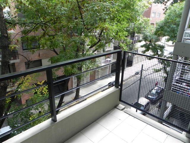 alquilo temporario en belgrano. monoambiente con balcón