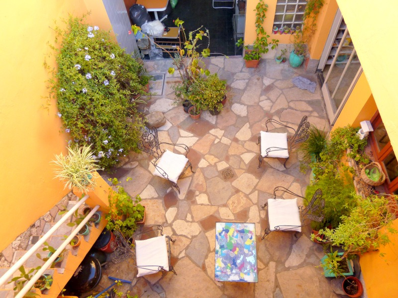 alquilo temporario en floresta. casa. patio, terraza cochera
