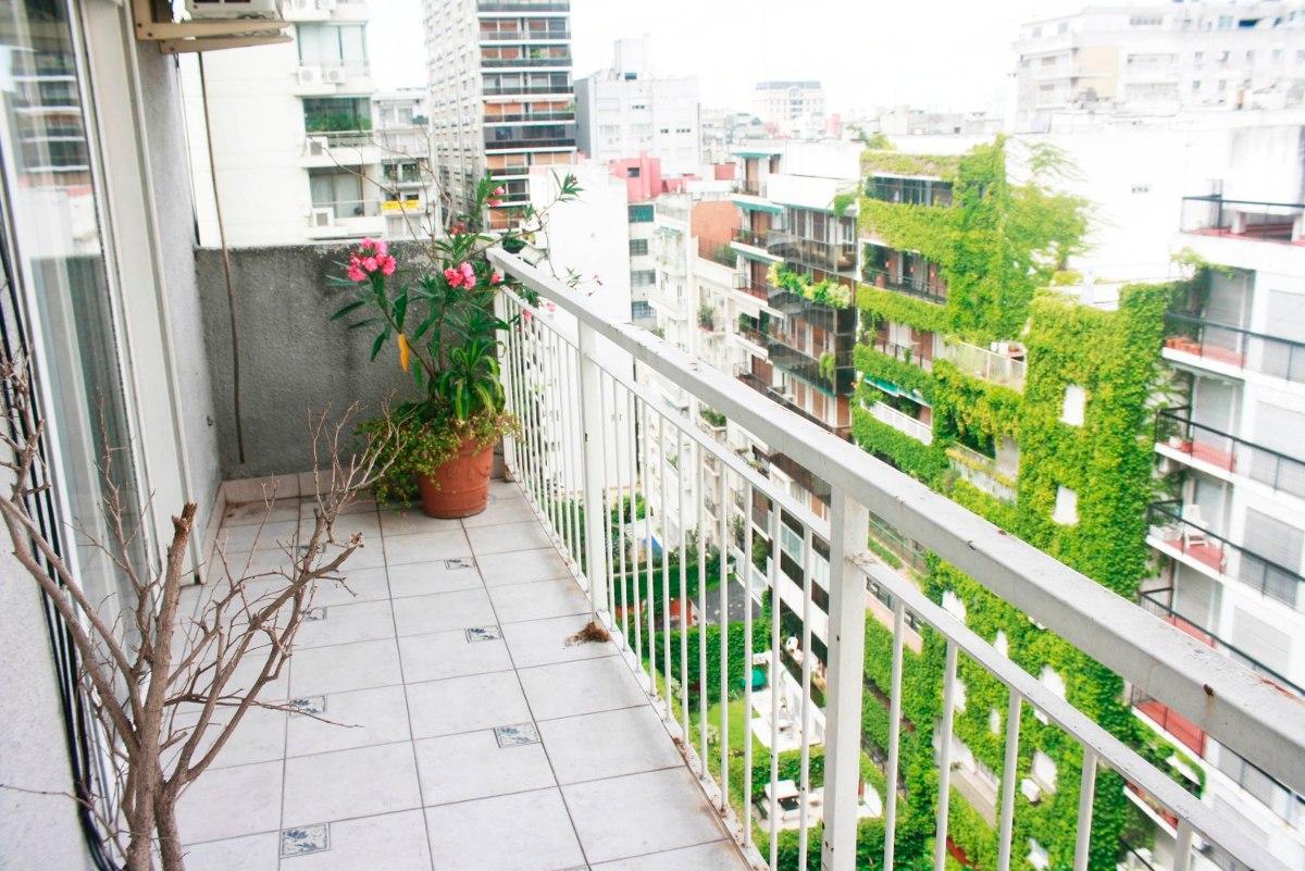 alquilo temporario en palermo. amplio 4 ambientes. balcón.