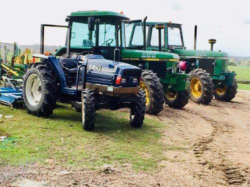 alquilo tractores , retro combinada, excentrica, chirquera .