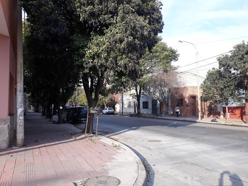 alta córdoba local comercial esquina  40m2