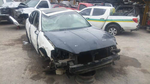 altima accidentado 2002..motor 2.5 enciende ......yonkes