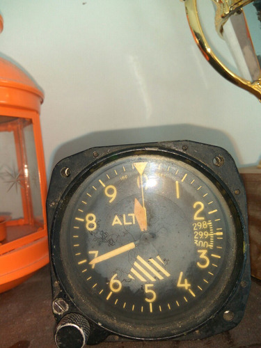 altimetro de avion funcionando
