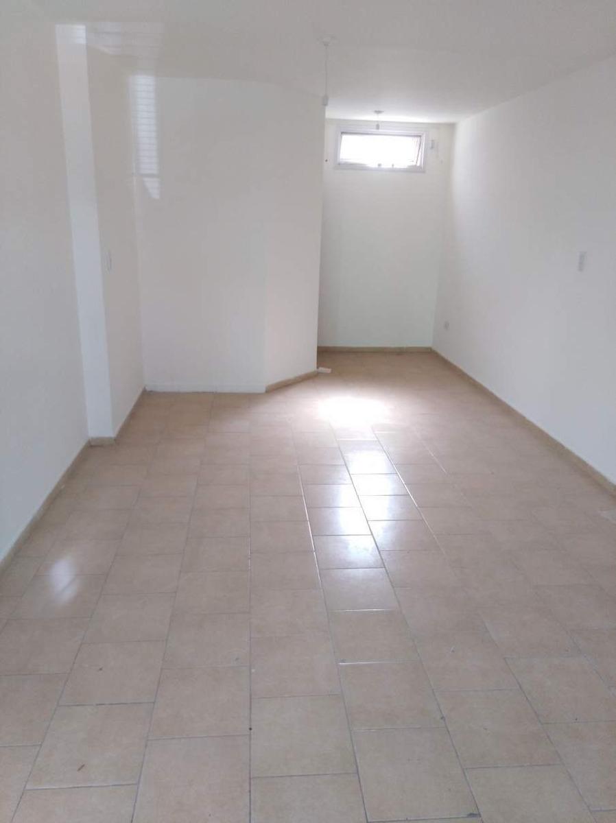 alto alberdi local de 30 m2