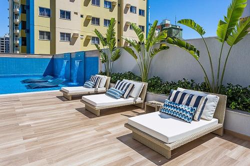 alto padrão! lindo apartamento a poucos passos do mar!