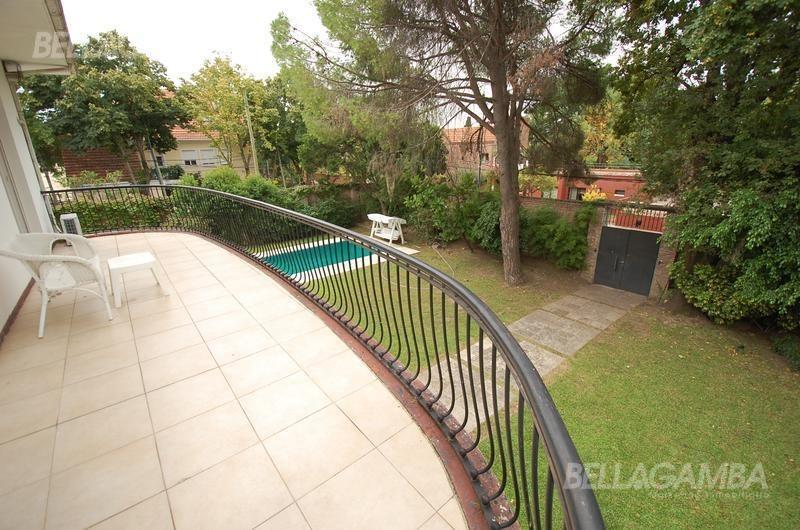 alucinante residencia de estilo excelente lote y parque con piscina