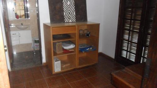 aluga casa 3 dormitórios no parque santa tereza 1.100 reais