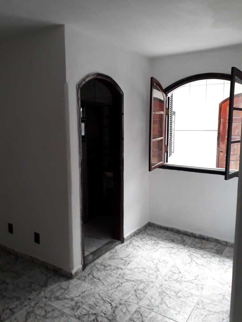 aluga - se casa com 5 dormitórios