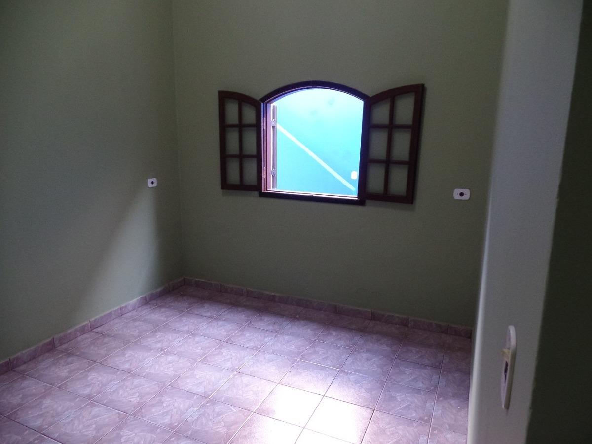 aluga-se casa de 2 cómodos em suzano sp.
