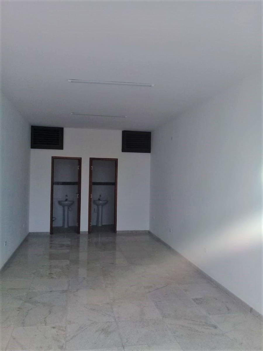 aluga-se salão comercial com 2 banheiros. peruíbe/sp