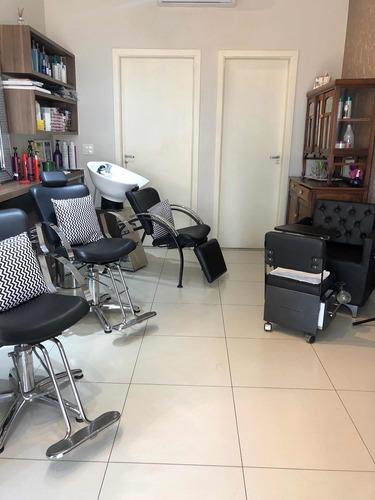 alugando cadeira de manicure e cabeleireira com experiência