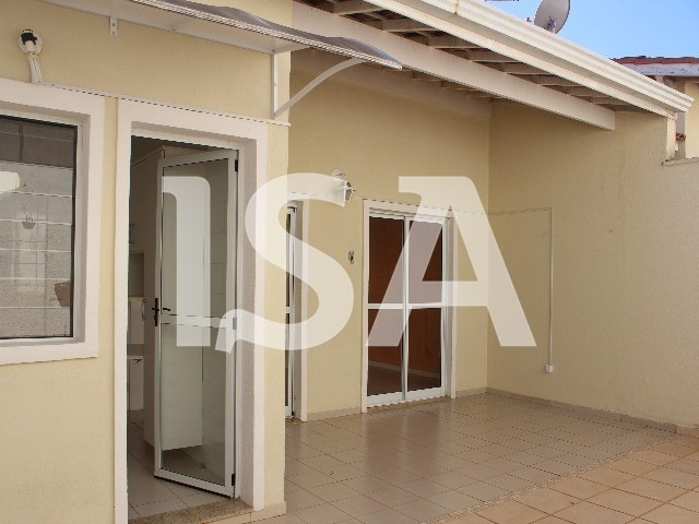 alugar casa condomínio próximo prefeitura ,casa  02 dormitórios modulados, 01 suite com closet, banheiro social com box , sala 02 ambientes, copa. - cc02185 - 33815946