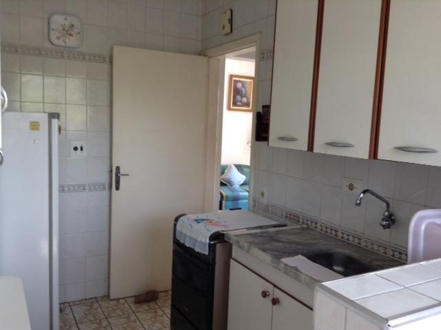 alugo apartamento  para temporada no guaruja 1 dormitório