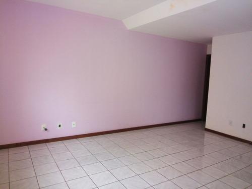 alugo casa duplex, 3 quartos, próximo guanabara são gonçalo