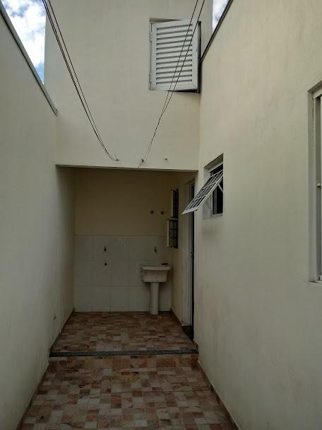 alugo casa em villagio vila lavinia