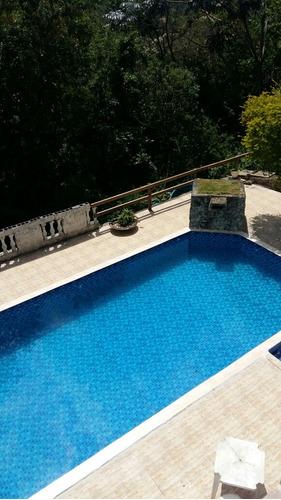 alugo chacara com piscina e quadra futebol gramada
