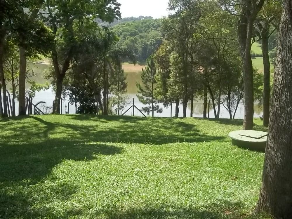 alugo chácara para temporada fundo com represa