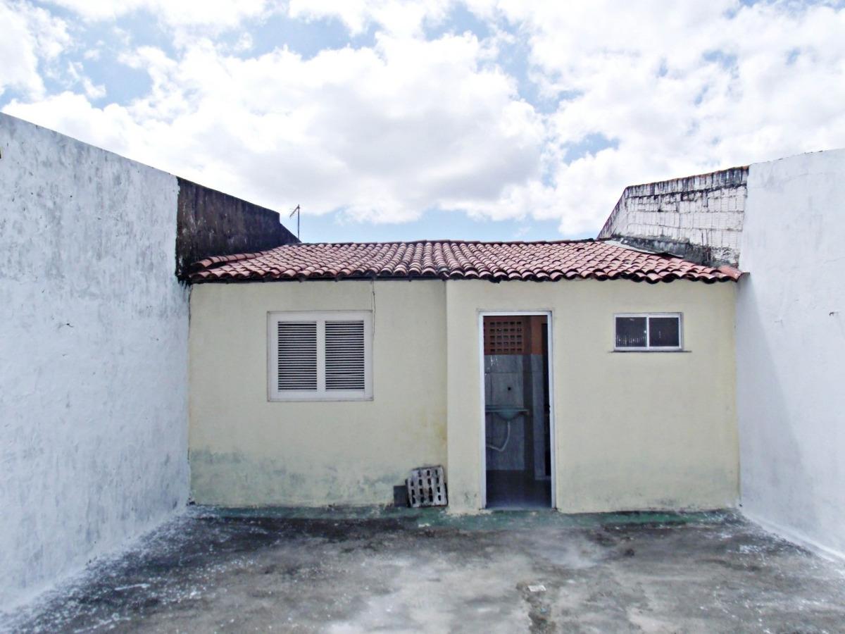 aluguel casa 2 quartos, área de serviço, garagem, quintal