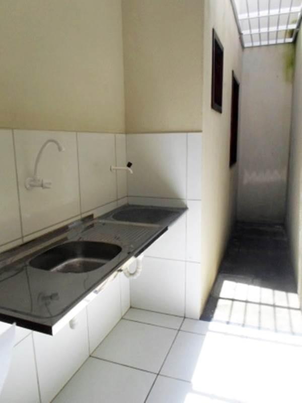 aluguel casa com 2 quartos, área de serviço, garagem