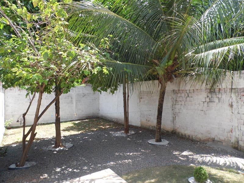 aluguel casa com 2 quartos no mondubim, quintal, garagem