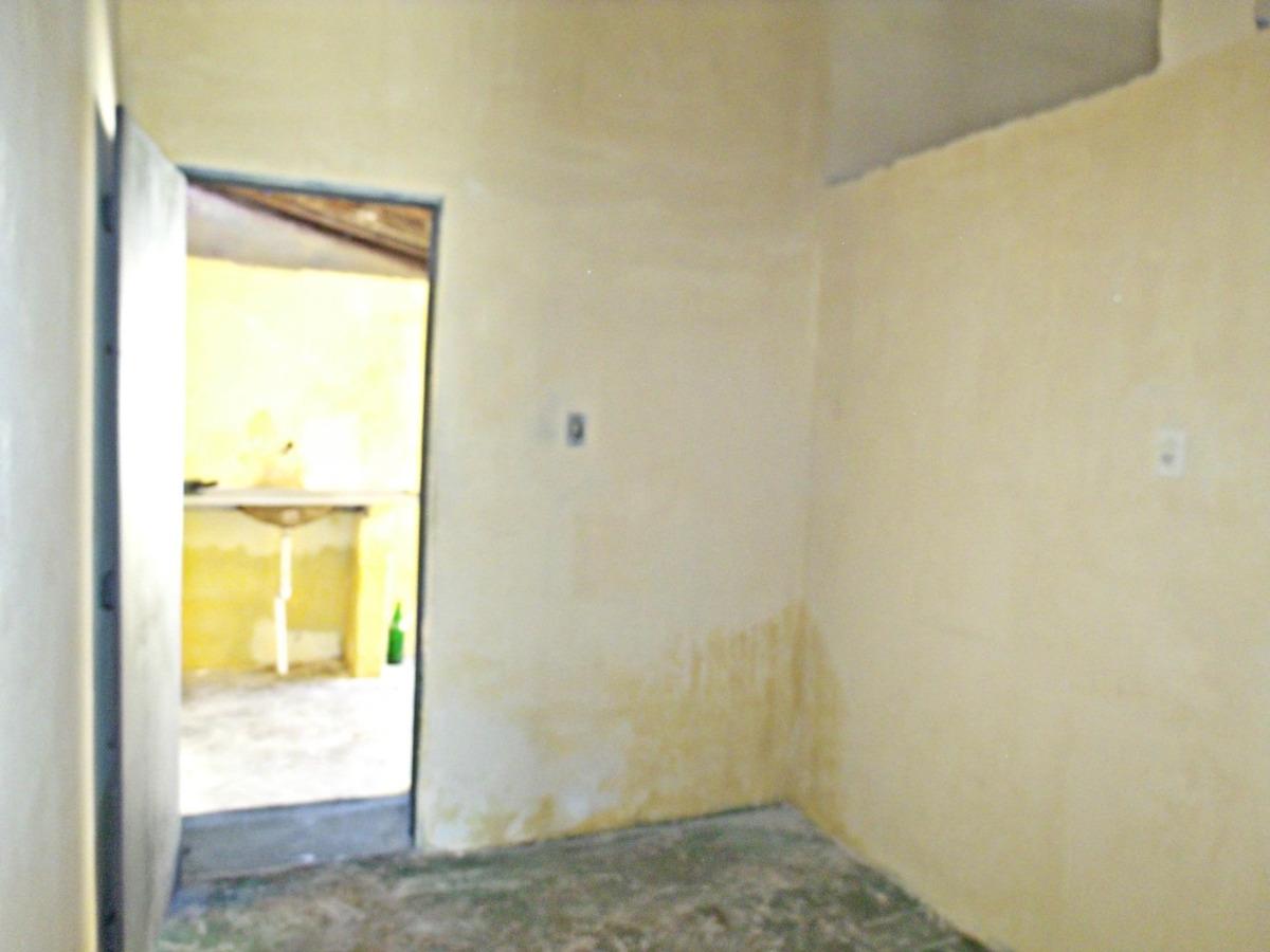 aluguel casa com 2 quartos, sala, área de serviço