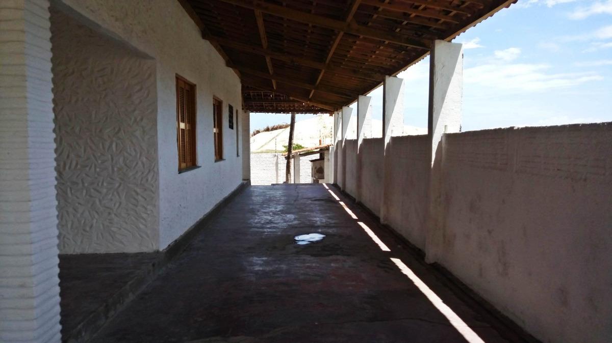 aluguel casa com 3 quartos na sabiaguaba, garagem, quintal
