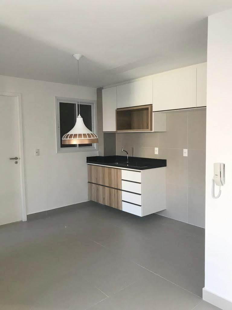 aluguel casa com garagem, cozinha planejada, quintal