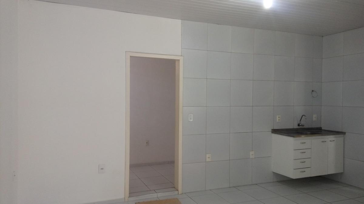 aluguel casa na parquelândia, sala, cozinha, banheiro