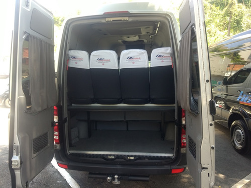 aluguel de vans de 15 lugares executivas e ônibus executivos