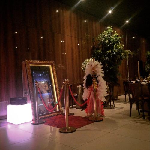aluguel espelho mágico fotos na hora locação cabine