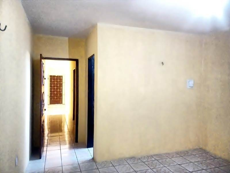 aluguel kitinet no montese - quarto, sala, cozinha, banheiro