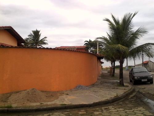 aluguel temporada casa com piscina a 50metros da praia