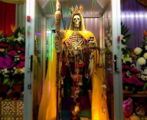 amarre de amor poderoso con la santa muerte magia negra y bl