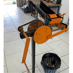 Amassador/prensador De Latas Alumínio Grandes E Pequenas.