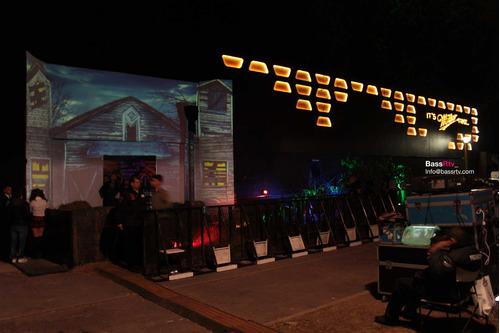 ambientación de eventos hologramas, mapping pantallas de led