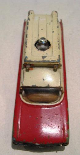 ambulancia antigua corgi con luz de emergencia a pila