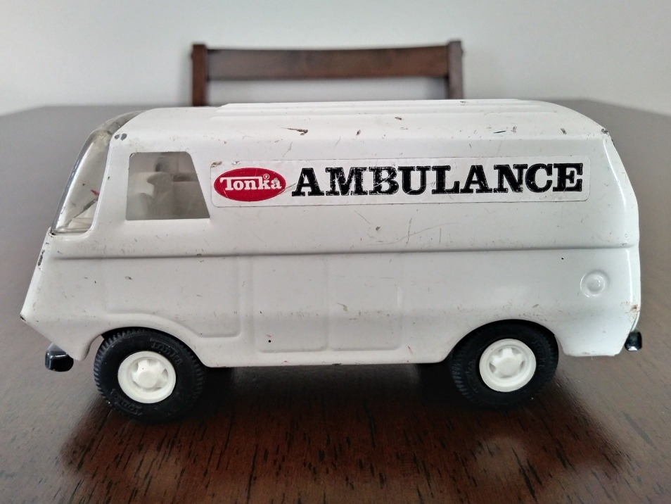 Ambulancia Antigua Lamina Tonka Carro Juguete Antiguo Metal