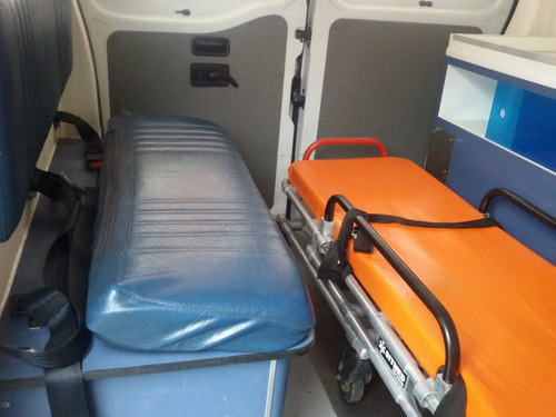 ambulancia renault master  2010  uti movel