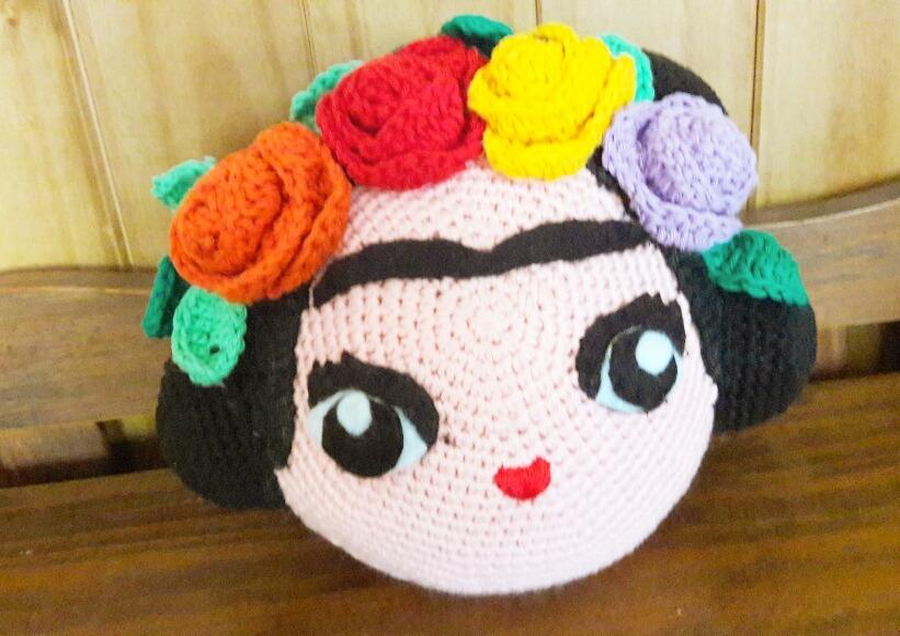 Amigurumi Frida Kahlo : Amigurumi frida kahlo almohadón tejido al crochet en
