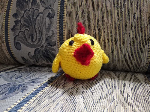 amigurumi muñeco de estambre fino medidas 12*4 cm pollito
