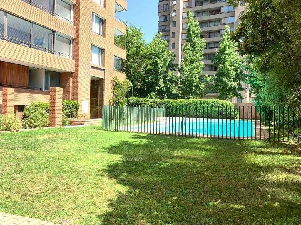 amoblado, vista despejada, amplio jardín y amplio departamento, moderno, luminoso en la gioconda