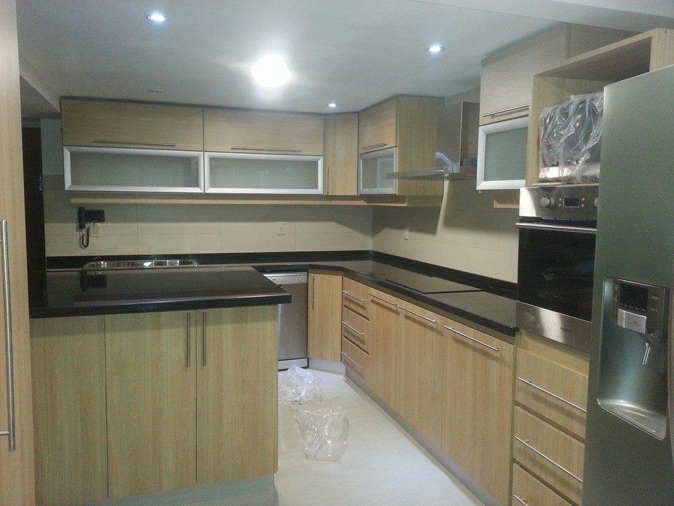 Amoblamientos de cocina muebles de cocina aereos bajo for Muebles de cocina 2 metros