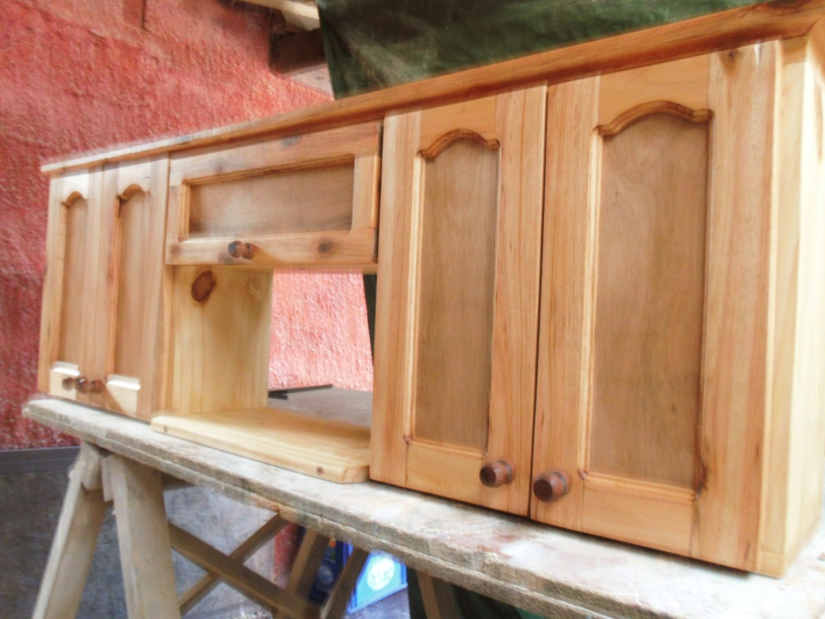 Amoblamientos de cocina a medida en madera maciza 200 for Amoblamientos as