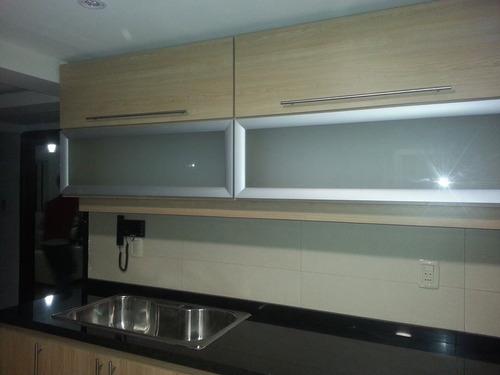 Amoblamientos de cocina muebles de cocina aereos bajo for Muebles de cocina uruguay